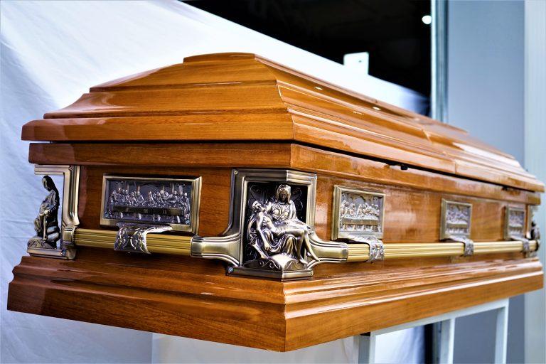 sicriu boston pieta servicii funerare ieftine oradea non stop pompe funebre bihor